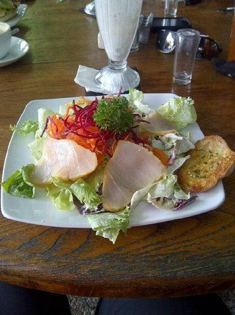 The Porch Cafe: Delicious smoked marlin salad