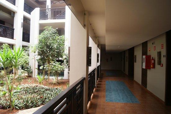 Iberostar Saidia : batiment avec patios donnant sur les chambres