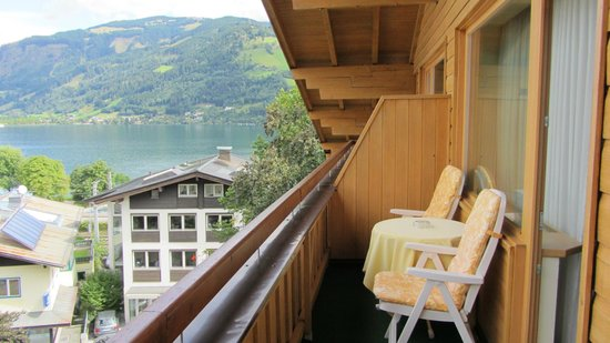 Hotel Salzburgerhof : Lake Zell from our balcony