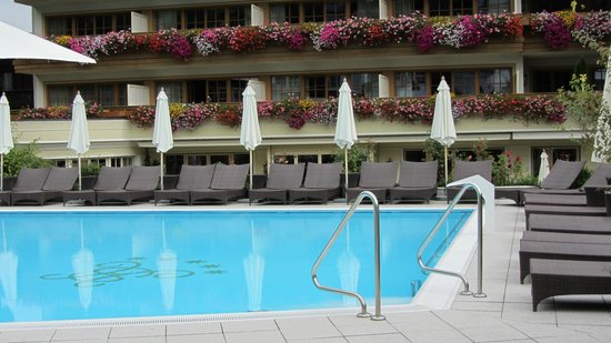 Hotel Salzburgerhof: One of the outside pools