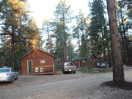 Jacob Lake Inn: room areas