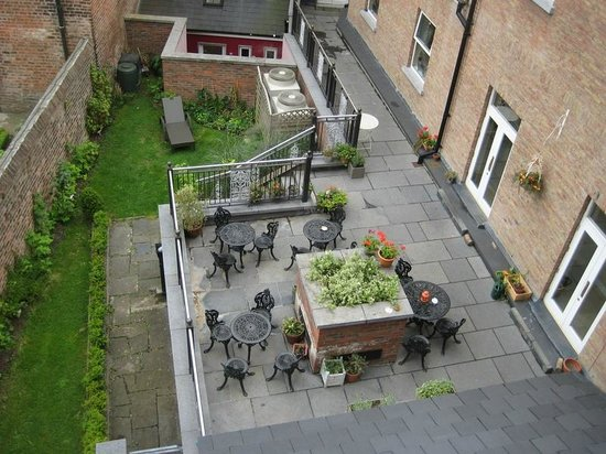 No. 1 Pery Square Hotel & Spa: Garden View from the Room