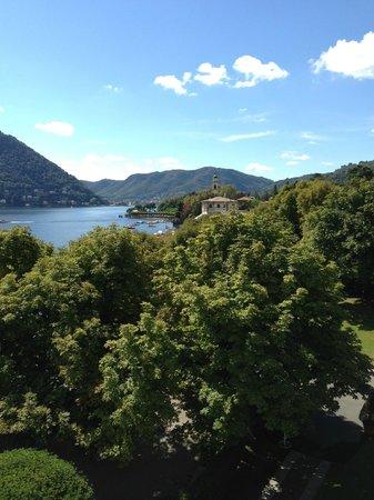 Villa d'Este: Corner window view