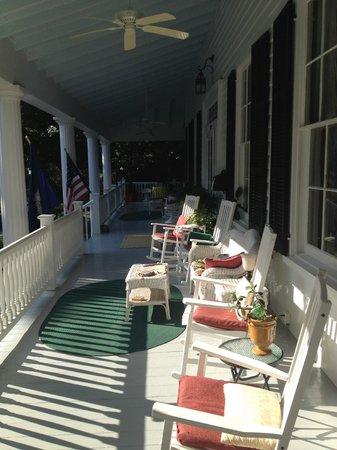 Bloomsbury Inn: Sitting porch