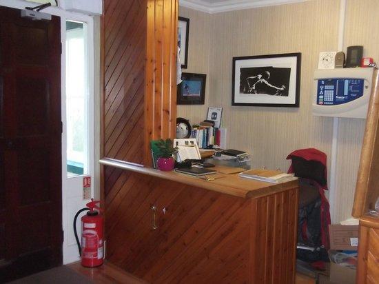 Cwmwennol Country House: reception