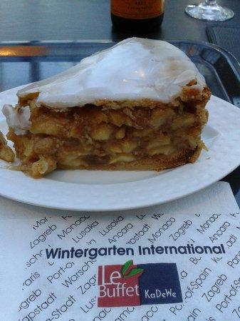 LeBuffet Berlin KaDeWe: My cake - delicious