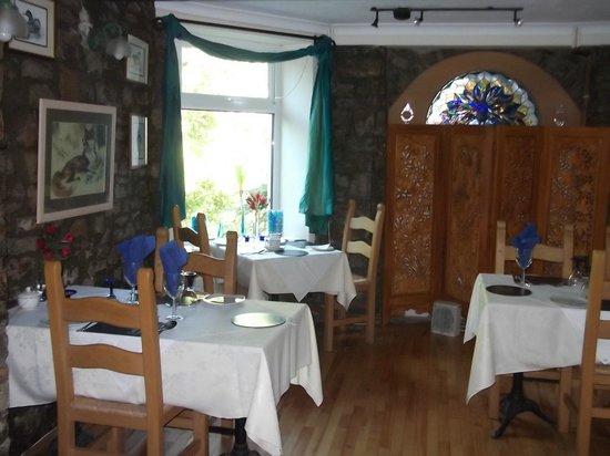 Cwmwennol Country House: dinning room
