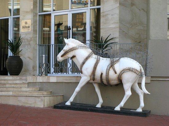 Hilton Cape Town City Centre: Entrada do Hotel