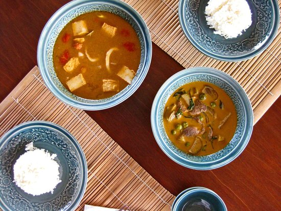 Jasmine Hills Villas & Spa: Tom Yum soup and curry