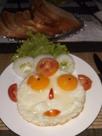 Sevana City Hotel: Vrolijk ontbijt !!