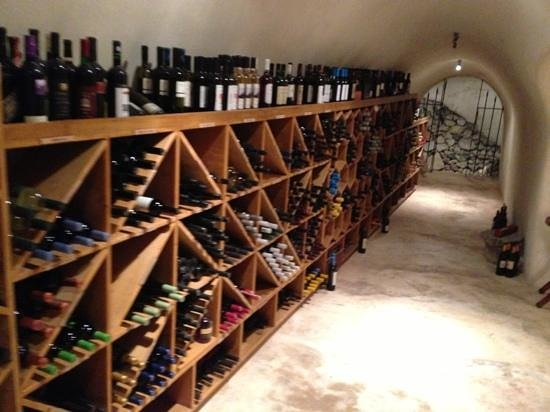 Pelican Kipos : the wine cave