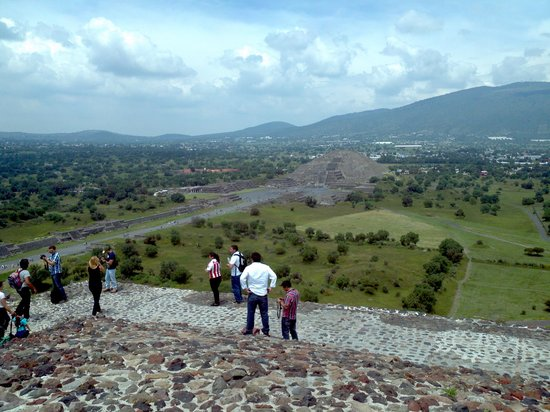 Basilica Lady of Guadalupe and Teotihuacan: piramide del sol