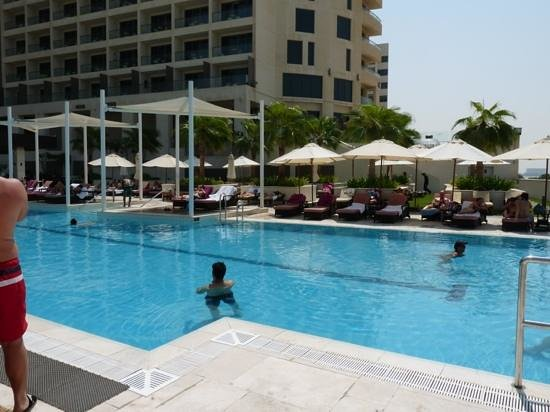 Crowne Plaza Abu Dhabi - Yas Island: The Crowne Plaza pool is the place to relax!