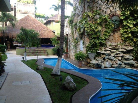 Aventura Mexicana : Pool side