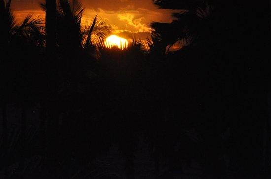 Grand Wailea - A Waldorf Astoria Resort: Sunset - Room view!