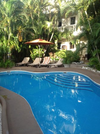 Aventura Mexicana: Adult side pool