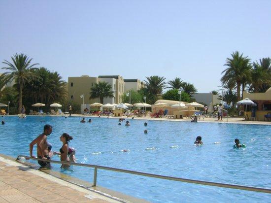Hôtel Djerba Castille : Vue de la picine