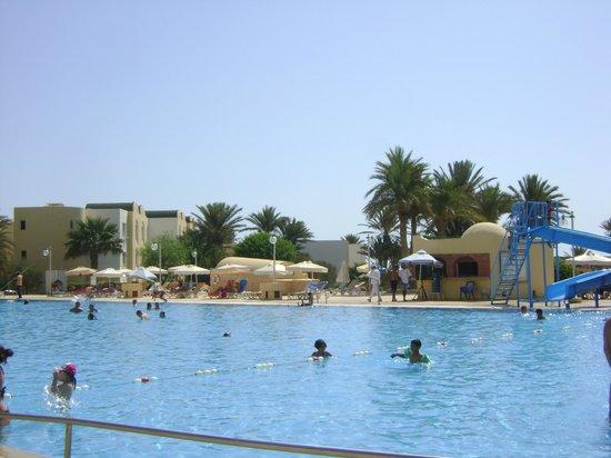 Hotel Djerba Castille : Vue de la picine