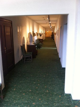 Panorama Hotel: ... hotel offices on the way to the pool, only 2 flights to go!