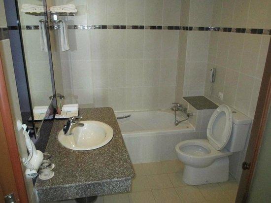 TTC Hotel Premium - Phan Thiet: Санузел.