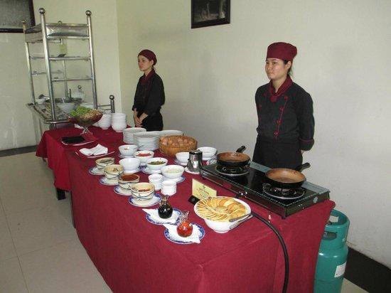 TTC Hotel Premium Phan Thiet: Отель. Завтрак.