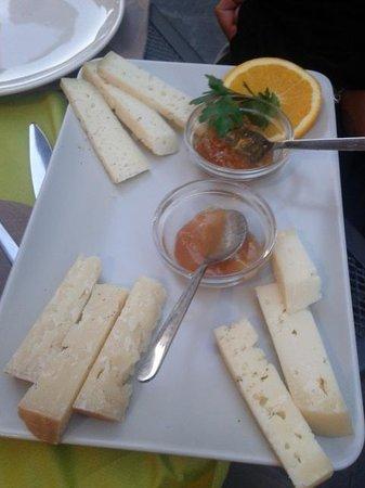 La Piccola Enoteca: Degustazione formaggi