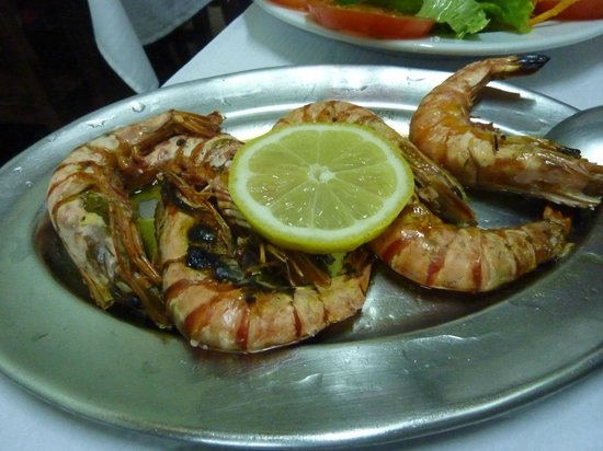 Restaurante Tronco: Grilled large prawns with olive oil and garlic