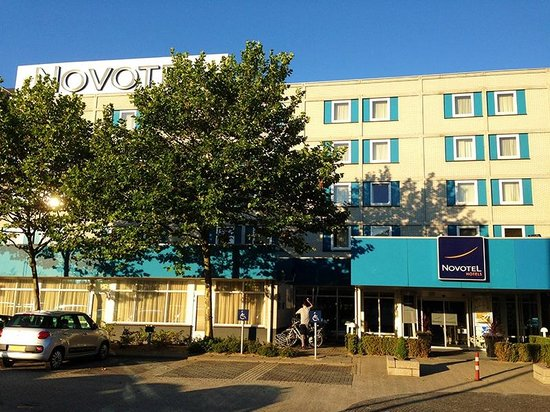 Novotel Eindhoven: Hotel from outside