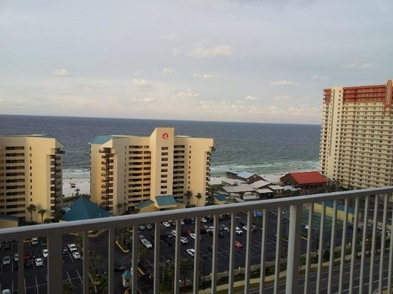 Laketown Wharf Resort: View directly in front, from our 14th floor balcony