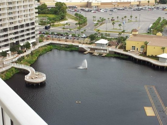 Laketown Wharf Resort: View from back of our unit, overlooking lagoon & boardwalk