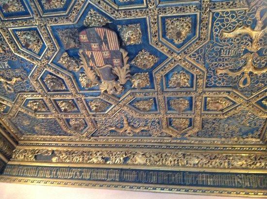 Artesonado sin dudas excepcional picture of palacio de for Sala 976 latin palace