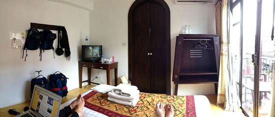 Come Chiangmai Lanna Boutique House: Standard Room - Doorway to Bath