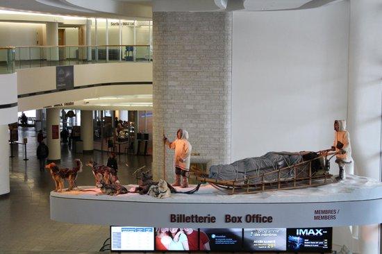 พิพิธภัณฑ์อารยธรรมแคนาดา: Um lugar claro e amplo diferente de muitos museus.