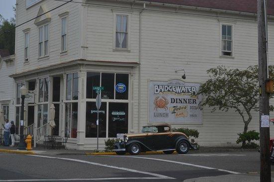 Bridgewater Ocean Fresh Fish House and Zebra Bar: Exterior of Bridgewater