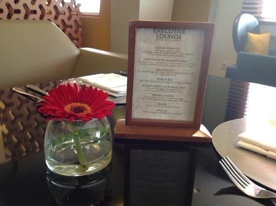 Alila Jakarta : nice breakfast in lounge