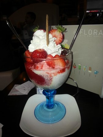 Gelateria Flora: Just perfect for two to share