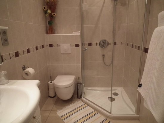 Chez Teasha : Bathroom