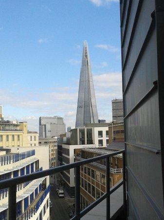 Premier Inn London Southwark (Tate Modern) Hotel: view from our 7th floor room