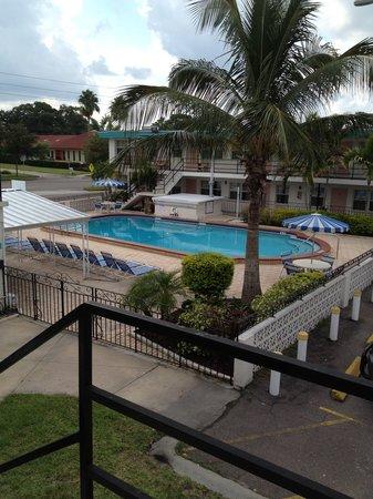 Belleair Village Motel: Pool