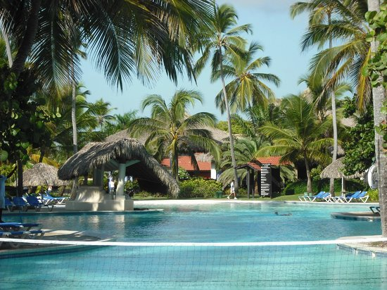Piscine picture of caribe club princess beach resort for Club piscine montreal locations