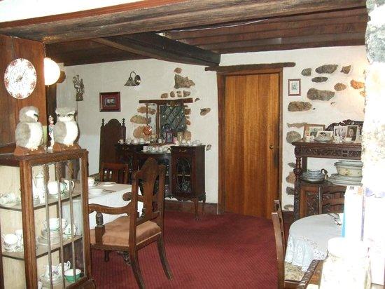 Glen Cottage: Dining area