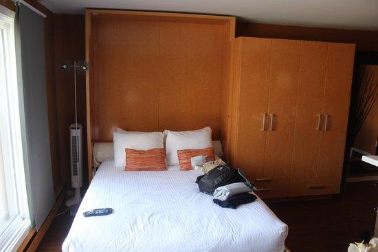 Nuvo Hotel Suites: Cama