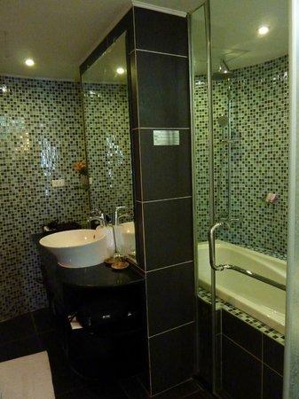 Hanoi Emotion Hotel : sdb