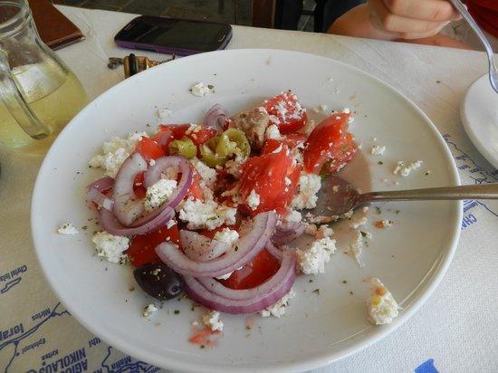 Livikon Hotel : Cretan salad (Ntakos)