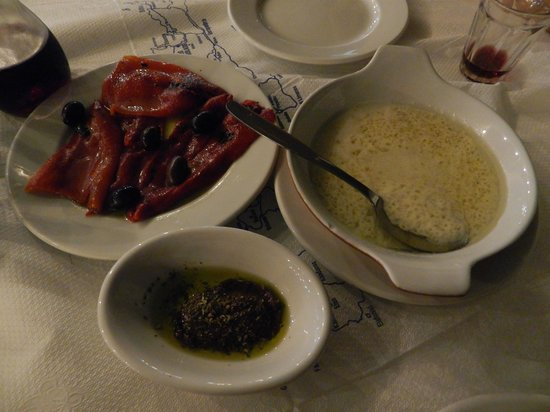Livikon Hotel : Fried peppers, olive paste and Staka