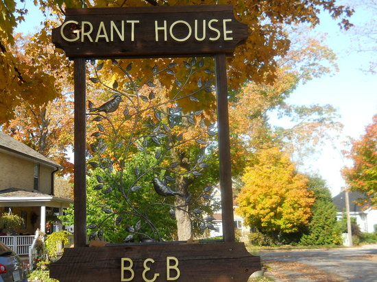 Grant House Bed & Breakfast: Watch for this sign