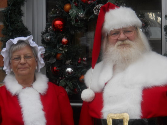 Grant House Bed & Breakfast: Where Santa & Mrs. Claus stay when not at the North Pole