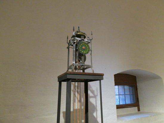 Sankta Birgitta Klostermuseum: A clock made from old monastary technology