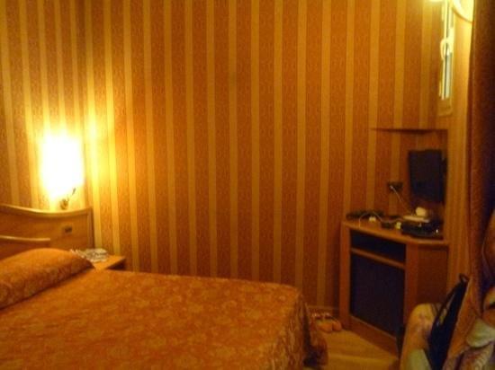 Hotel Solis: room