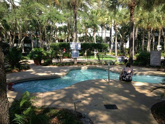 The Westin Hilton Head Island Resort & Spa: hot tub area